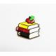 Foremka do ciastek i pierników Trzy książki i jabłko