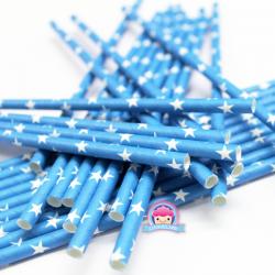 Blaue Papierstrohhalme mit Sternchen