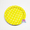 Żółte talerzyki papierowe w kropki