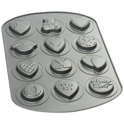 Metallform für Kekse 12 Valentinsmuster Wilton 2105-8139