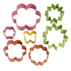 Wielkanocny zestaw foremek do ciasteczek 7 szt kolorowe kwiaty Wilton 2308-1541